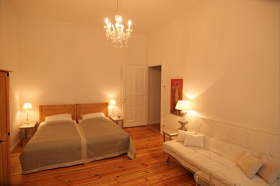Wohn  Und Schlafzimmer
